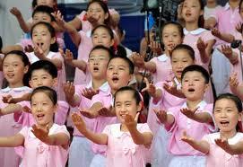 kids giving praise